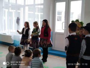 """20.12.2019 Activitate transdisciplinară în clasa a II-a """"Magia sărbătorilor de iarnă"""", învățător – Rascenco Angela"""